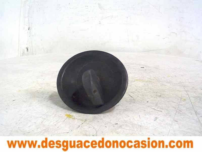 TAPON COMBUSTIBLE